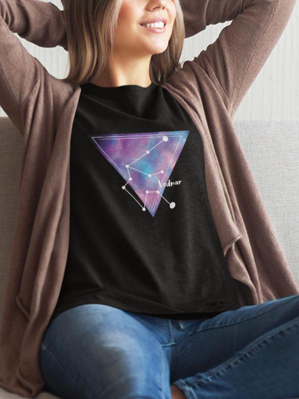 potiskana majica vodnar zodiak horoskop darilo rojstni dan duhovnost zvezde vesolje kozmos tiskarna garderoba tisk na majice prodaja dostava trgovina kolosej btc ljubljana po pošti unikatno