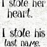 I_stole_her_hart_i_stole_his_last_name_komplet_svetlo_ozadje_preview_design_svetla
