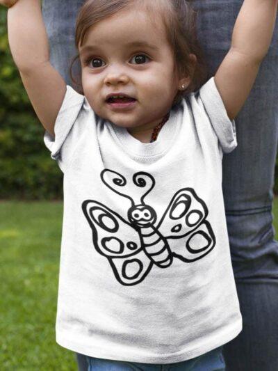 Pobarvanka na majici metuljče