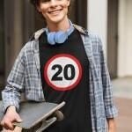 Potiskana majica prometni znak 20 let rojstni dan obletnica okrogla zabava žurka mlaj darilo mladina tiskarna trgovina garderoba tisk na majice unikati po želji spletno nakupovanje dostava po pošti osebni prevzem kvalitetno obstojno dtg ljubljana