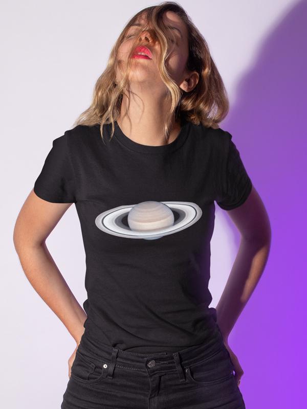 potiskana majica saturn vesolje planeti majica za darilo tiskarna garderoba tisk po želji unikati spletno nakupovanje osebni prevzem dostava trgovina ljubljana