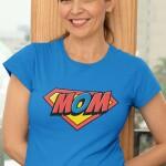 Potiskana majica mom superman darilo za mami materinski dan smešno super junaki superman mamica  družina tiskarna garderoba trgovina ljubljana tisk na majice unikati spletno nakupovanje dostava kvalitetno obstojno