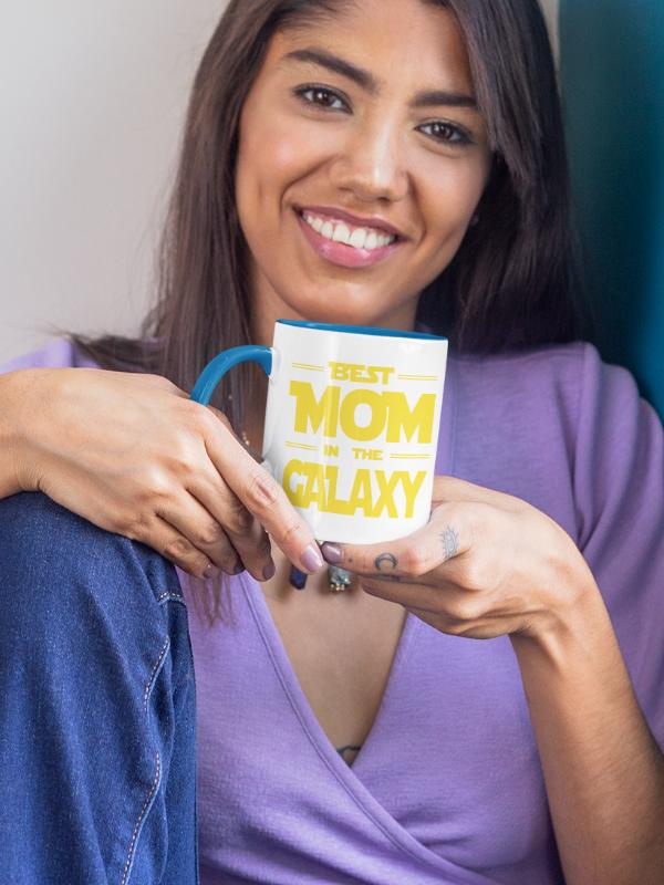skodelica-best-mom-in-the-galaxy-barvna-unikatni-tisk-garderoba-ljubljana