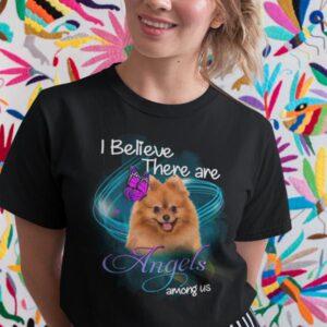 Potiskana majica i believe there are angels among us pomeranian pomeranec pes kužki zabavna ljubko prisrčno dog animal živali angel tiskarna garderoba ljubljana tisk na majice unikati dtg osebni prevzem dostava spletno nakupovanje kvalitetno obstojno